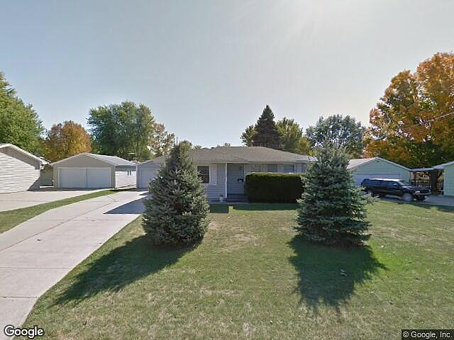 Lease to Own Home on 9Th Avenue Newton, IA