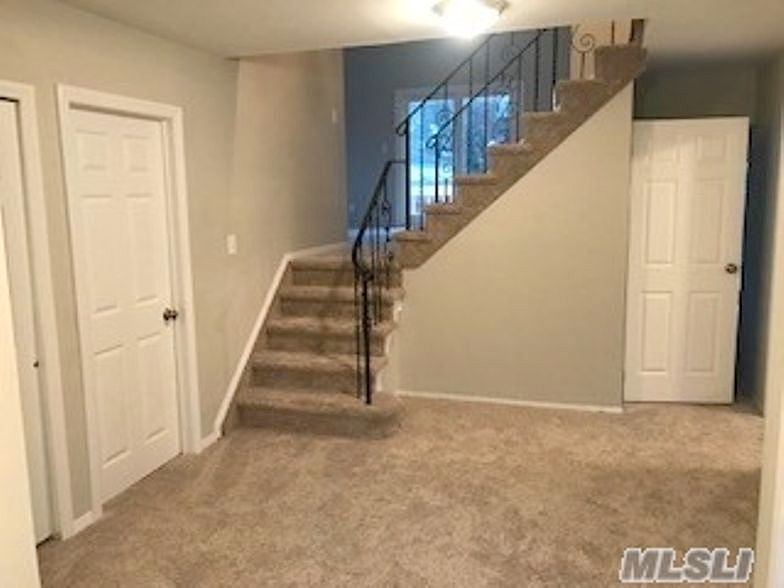 Lease to Own Home on Autumn Amityville, NY