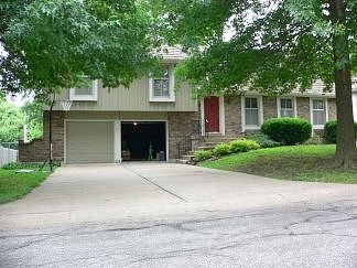 Lease to Own Home on Locust Blue Springs, MO